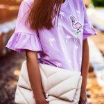 fioletowa_koszulka_w_palmy_z_flamingiem03.jpg