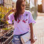 fioletowa_koszulka_w_palmy_z_flamingiem04.jpg